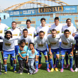 Peruvian top tier clubs play anti-racism cup