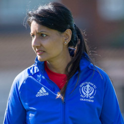 """It's a girl's world as well now"" – Founder of UK's largest Sikh women's club wins UEFA grassroots award"